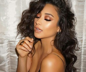 eye makeup, shay mitchell, and emily fields image