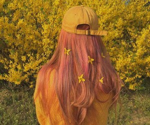 amarillo, hair, and flores image