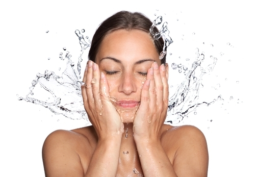 how to wash your face image
