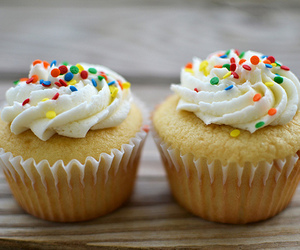 cupcake, chocolate, and cream image