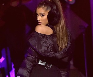 ariana grande and jingleball image