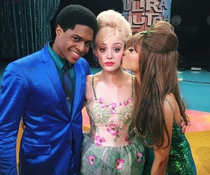 ariana grande and hairspray live image