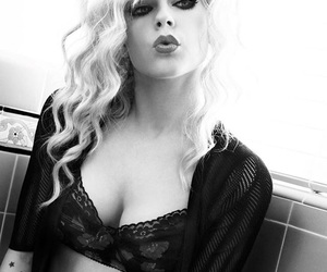 Avril Lavigne, black and white, and sexy image