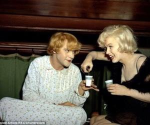 some like it hot, Marilyn Monroe, and jack lemmon image
