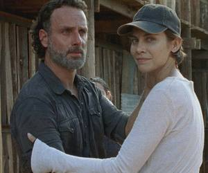 Maggie, rick, and the walking dead image