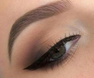 beauty makeup artist image