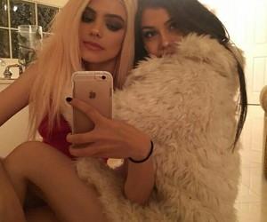 sahar luna, kelsey calemine, and friends image