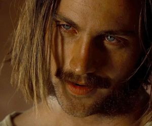 aaron taylor-johnson and nocturnal animals image