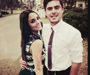 couple, vanessa hudgens, and zac efron image