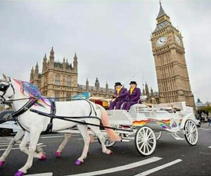 london and unicorn image