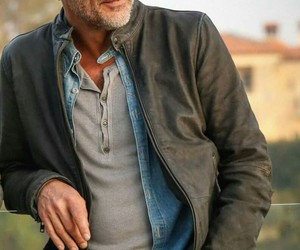 jeffrey dean morgan, twd, and the walking dead image
