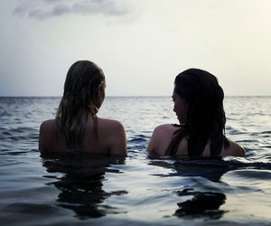 friend love swim sexi image