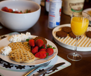 breakfast, food, and strawberry image