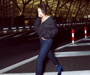 Loewe, victoria song, and victoria f(x) image