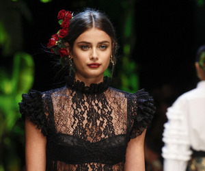 model, taylor hill, and Dolce & Gabbana image
