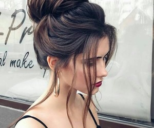 bun, lips, and red image