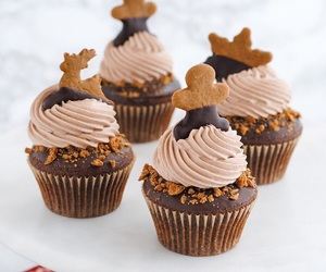 chocolate, Cookies, and cupcakes image