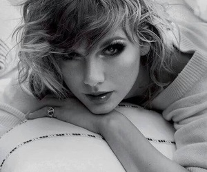black and white, photo shoot, and Taylor Swift image