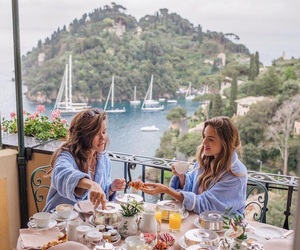 friends, breakfast, and travel image