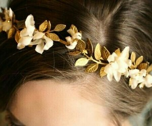 beauty, crown, and hairstyles image