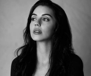 adelaide kane, reign, and pretty image