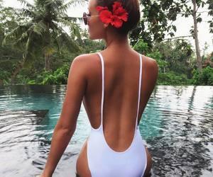 bikini, praia, and verão image
