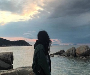 ulzzang, sky, and aesthetic image