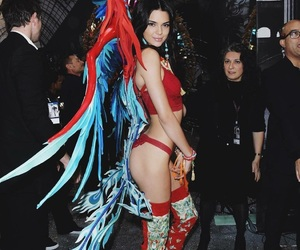 Victoria's Secret, kendall jenner, and fashion show image