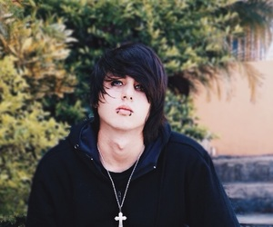 Alex Evans, emo, and from uk image