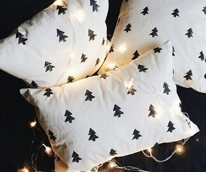 christmas, light, and pillow image