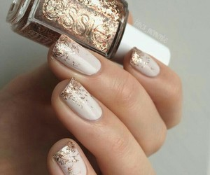 nails, gold, and essie image
