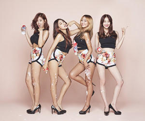 sistar, hyorin, and bora image