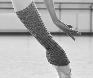 pointe ballet image
