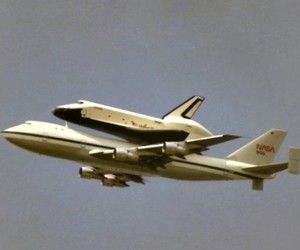 Space Shuttle and uss discovery image