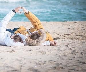 kdrama, love, and beach image