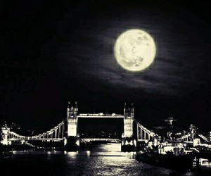 city, london, and moon image