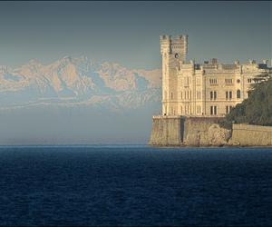 castle, montagne, and flavio image