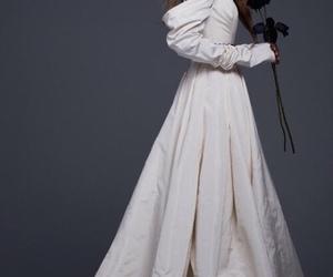 Vera Wang image