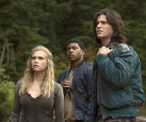 finn, the 100, and clarke griffin image