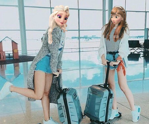 travel and best friends image