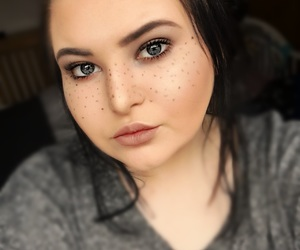 beauty, mac, and freckles image