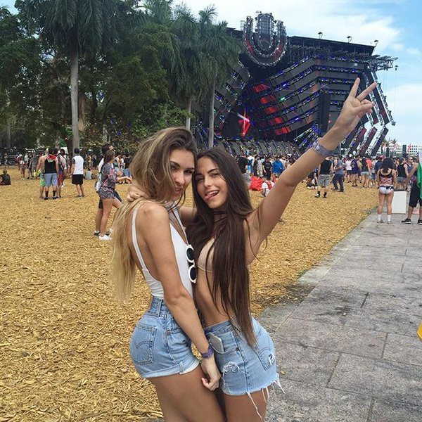 Girls tomorrowland Escape from