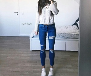 blue jeans, pretty girl, and kathiischr image
