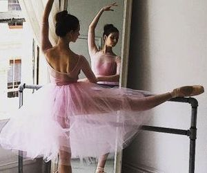 ballet, ballerine, and en pointe image