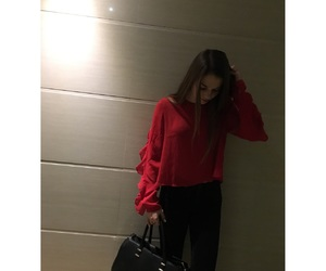 outfit, redlips, and goingout image