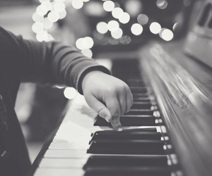 christmas, home, and piano image