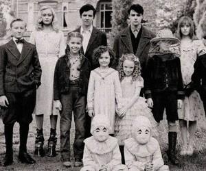 peculiar+children+ image