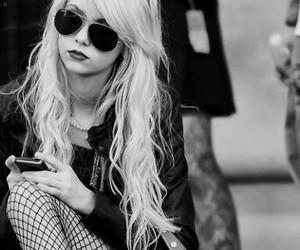 Taylor Momsen, blonde, and gossip girl image