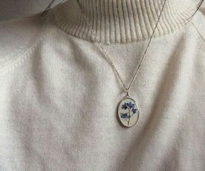 necklace, aesthetic, and flowers image