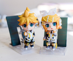 Figure, vocaloid, and rin and len image